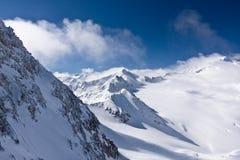 Cimeira da montanha da geleira nos cumes Fotografia de Stock Royalty Free