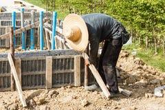 Ciment de pilier avec la tige en acier dans la construction Photo stock