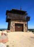 Cimento Ridge Fire Lookout Tower no Black Hills de South Dakota fotos de stock