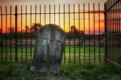 Cimetière au crépuscule photographie stock libre de droits