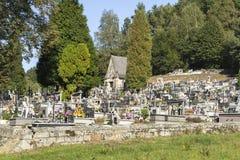 Cimetière dans le petit village Images stock