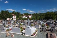 Cimetière dans le village du basque, France Image stock