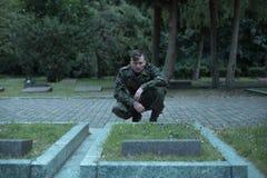 Cimetière de visite de soldat Photos libres de droits
