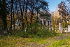 Cimetière juif historique dans la ville de Lodz, Pologne Images stock