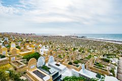 Cimetière musulman à Rabat, Maroc vu à 05 05 2016 Photo libre de droits