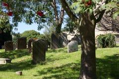 Cimetière, village de Bampton, Angleterre Photographie stock libre de droits