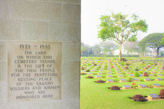 Cimitero 1939-1945 di guerra di Kanchanaburi immagine stock