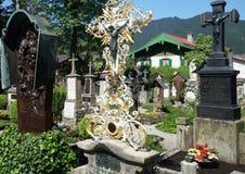 Cimitero bavarese in Oberammergau Immagine Stock Libera da Diritti