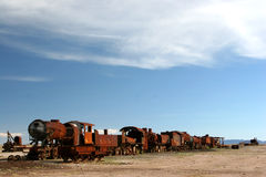 Cimitero del treno vicino a Uyuni Immagine Stock