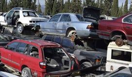 Cimitero delle automobili scarico delle automobili Immagini Stock Libere da Diritti