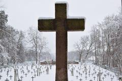 Cimitero militare, cimitero di guerra, inverno del cimitero di guerra, inverno militare del cimitero, neve di inverno dei soldati Immagini Stock Libere da Diritti