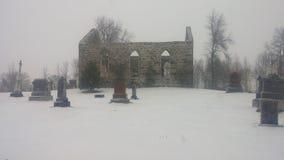 Cimitero rovinato chiesa Fotografia Stock Libera da Diritti
