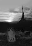 Cimitero spettrale e torre immagine stock libera da diritti