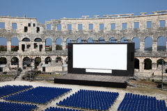 Cinéma d'air ouvert dans les Pula, Croatie photographie stock