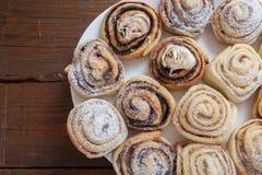 Cinamon et gâteau de petits pains de chocolat Photo stock