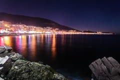 Cinarcik夏天镇在冬天-土耳其 免版税库存照片