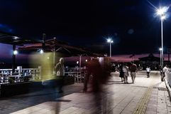 Cinarcik镇在夏夜里-土耳其 库存图片