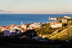 Cinarcik-Stadtlandschaft - die Türkei Stockfotos