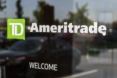 Cincinnati - Circa Mei 2017: TD Ameritrade lokaal bijkantoor TD Ameritrade in een online makelaar van voorraden en investeringen  stock foto