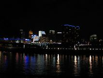 Cincinnati na noite imagem de stock