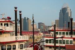Cincinnati Ohio en la salida del sol Imagen de archivo libre de regalías