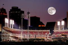 Cincinnati Ohio nach Sonnenuntergang Lizenzfreie Stockfotografie