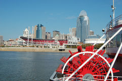 Cincinnati Skyline with Riverboat Royalty Free Stock Images