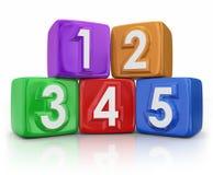 5 cinco blocos de apartamentos básicos dos elementos dos princípios que contam cubos ilustração do vetor