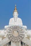 Cinco branco grande buddha em Wat Pha Sorn Kaew Imagem de Stock Royalty Free