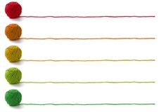 Cinco cores de esferas do fio