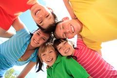 Cinco crianças felizes fotos de stock royalty free