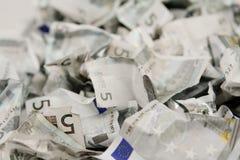 Cinco cuentas de los euros imágenes de archivo libres de regalías