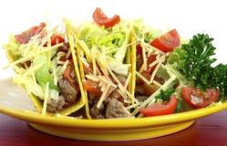 Cinco de Mayo ljus färgrik partimat med uppläggningsfatet av taco royaltyfri foto