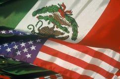 Cinco de Mayo, мексиканский/американский праздник, на улице Olvera, Лос-Анджелес, CA Стоковая Фотография