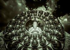 Cinco estátuas de assento da Buda em Wat Pha Sorn KaewWat Phra Thart Pha Kaew Fotos de Stock Royalty Free