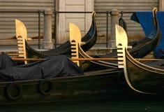 Cinco gôndola em Veneza imagens de stock