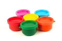 Cinco latas de la pintura del color Imagen de archivo
