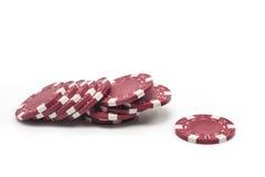 Cinco microplaquetas coloridas do póquer Fotos de Stock
