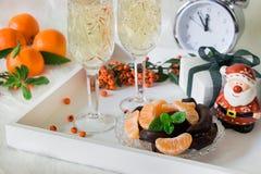 Cinco minutos antes del Año Nuevo o para del día de fiesta que espera Fotos de archivo