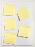 Cinco notas pegajosas Foto de archivo