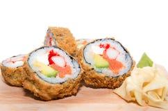 Cinco partes de rolos japoneses fritados Imagem de Stock