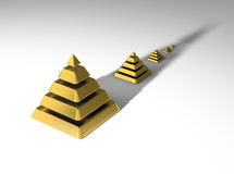 Cinco pirâmides financeiras Foto de Stock Royalty Free