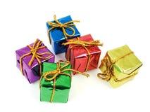 Cinco presentes coloridos Foto de Stock Royalty Free