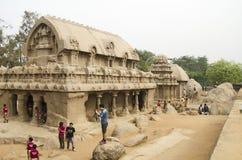 Cinco Rathas em Mahabalipuram, Tamil Nadu, Índia, Ásia imagens de stock royalty free