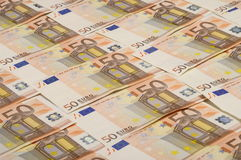 Cincuenta billetes de banco de los euros Imagenes de archivo