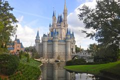 Cinderella Castle στο μαγικό πάρκο βασίλειων, παγκόσμιο θέρετρο Ορλάντο, Φλώριδα, ΗΠΑ Walt Disney Στοκ εικόνες με δικαίωμα ελεύθερης χρήσης