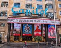 Cine hermoso del capitolio - cine en Gran vía Madrid Foto de archivo libre de regalías