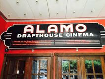Cinema de Alamo Drafhouse - cinema Fotografia de Stock Royalty Free