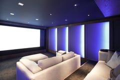 Cinema em casa, interior luxuoso fotos de stock