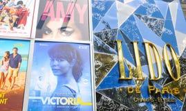 Cinema Lido em Paris fotos de stock royalty free